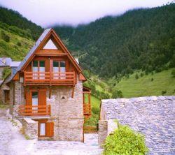 Valle de aran apartamentos rurales en montcorbau vielha e mijaran lleida - Casas rurales valle de aran ...