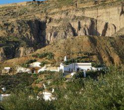 Cuevas El Torriblanco De Gorafe