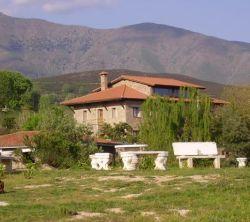 Ropino - Casa Rural - Hotel En Candeleda - El Raso