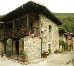 Casa Milia