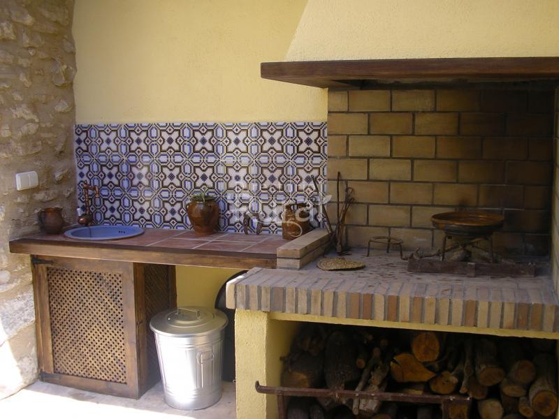 La cuina torrebale apartamentos rurales en morella for Registro bienes muebles castellon