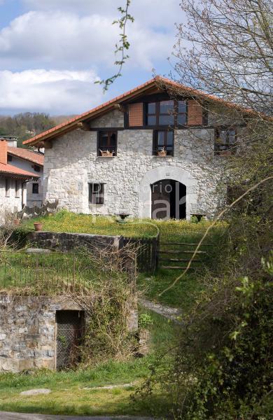 Iribesenea casona en lekunberri navarra - Casa rural lekunberri ...