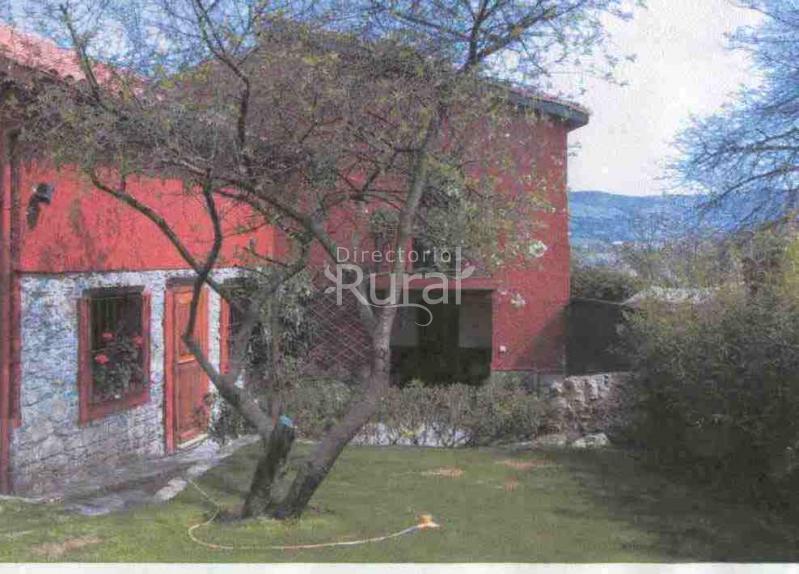 El guindo casa de aldea en gijon asturias for Jardin urbano gijon