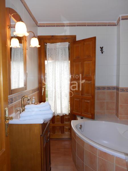 Apartamentos las murallas turismo rural en albarrac n teruel - Casa rural gea de albarracin ...