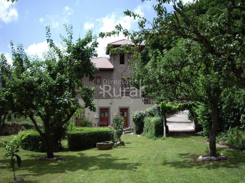 Apartamentos robledo apartamentos rurales en aller asturias - Casas rurales cerca de oviedo ...